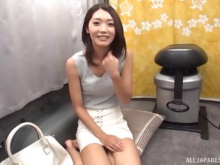 Slender Japanese amateur babe sucks a stranger's dick in a be opposite act for
