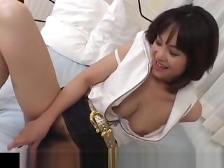 Mako Takeda spreads feet for hunk to rub her hairy twat