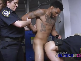 Teenie black dude gets his male stick swallowed and eaten.