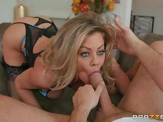 Blue take aim goddess enjoys gumshoe in agile XXX
