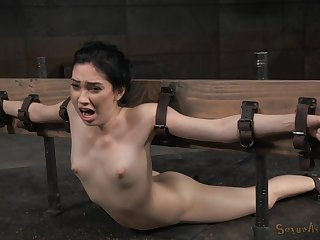 Unusual sex poses together with strong orgasm are very welcome for Aria Alexander