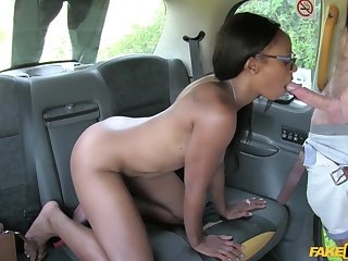 Lola Marie squirts in the taxi after hardcore pussy fuck