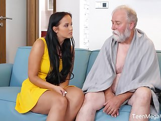 Jennifer Mendez pleased grandpa with perfect sex
