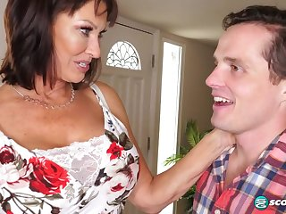 Lustful Mature Housewife Vanessa Videl Craves For Young Hawkshaw