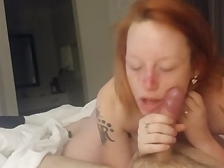 Girlfriend huge head before fucking in hotel room