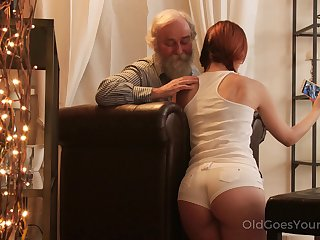 An old fart seduced unconnected with a PAWG and go wool-gathering big ass unshaded fucks disposed to a champ