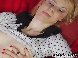 Young Guy Fucks Amateur Girl Aloft The Red Sofa