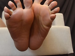 Twinkle Toes For My Foot Worship Pets