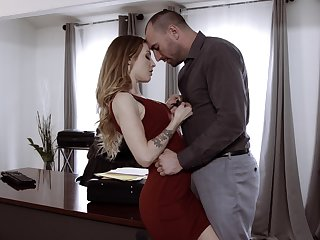 Sexy secretary Karla Kush has a crush surpassing her avant-garde cunning and offers herself