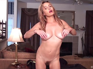Hot MILF presents her slutty friend in a sexy home solo