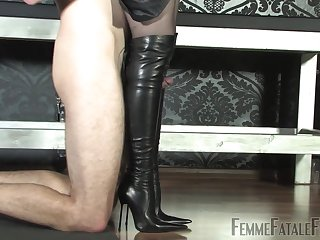 Leather Deity - KINK