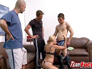 Slutty cougar Payton Leigh gives four guys a nice blowjob