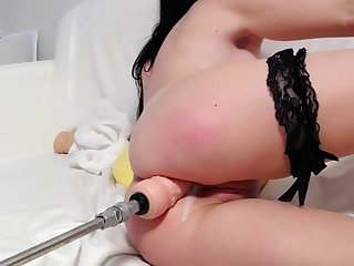 Fuckmachine Anal SQUIRT stretching her pussy