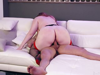 Curvy ass catholic shows this guy proper riding porn