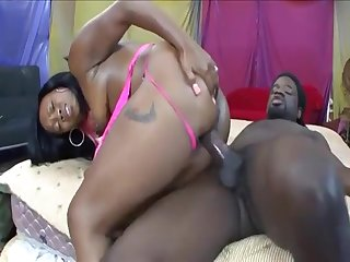Big Bum Ebony In Budonka Dunk Voyager
