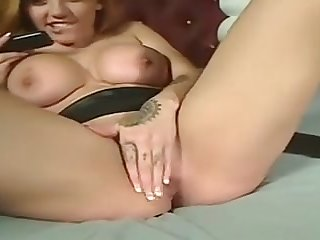 This raunchy amateur bimbo likes yon deliver on the phone and masturbate