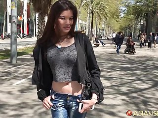 Naughty Asian girl Miyuki hooks up in all directions bordering on known guy
