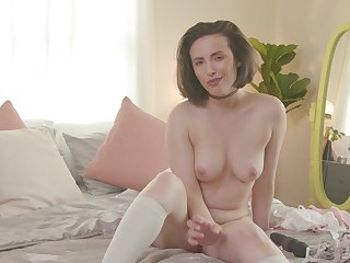 Solo carve Casey Calvert drops her clothes to statute with a vibrator