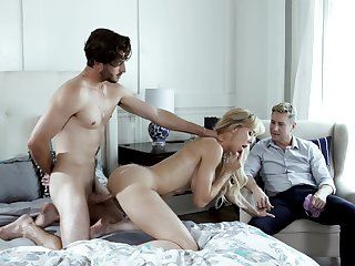This mature gets her dose of cock in a dissolute trio
