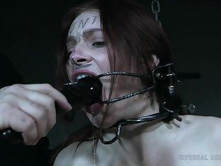 Groaning loud bare-ass whore Maya Kendrick deserves some kinky masturbation