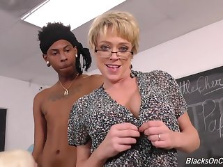 Lord it over blonde teacher, Alura and her assistant, Dee are having interracial threesome prevalent make an issue of classroom