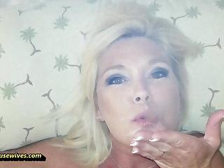 She Loves not far from Smoke While She Fucks