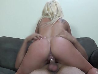 Blonde woman Cali Westbrook gives a blowjob and rides regarding cowgirl