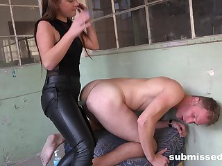 Inner amateur ass fucks lover with strap-on